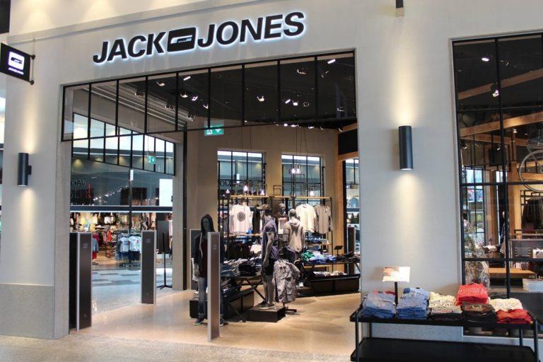 referentie_jackjones_antidiefstal-poortjes-zwart-paneel-design
