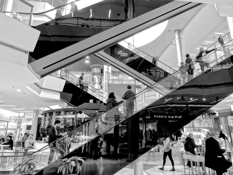 shopping center winkeldiefstal